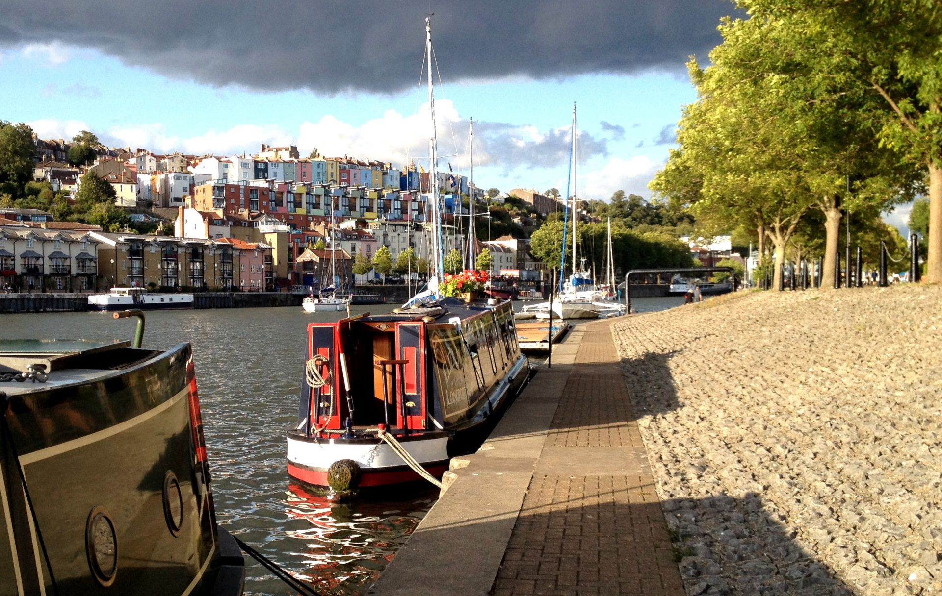 In Bristol for a few days. This is a quieter end to moor than by the shops and cafes.