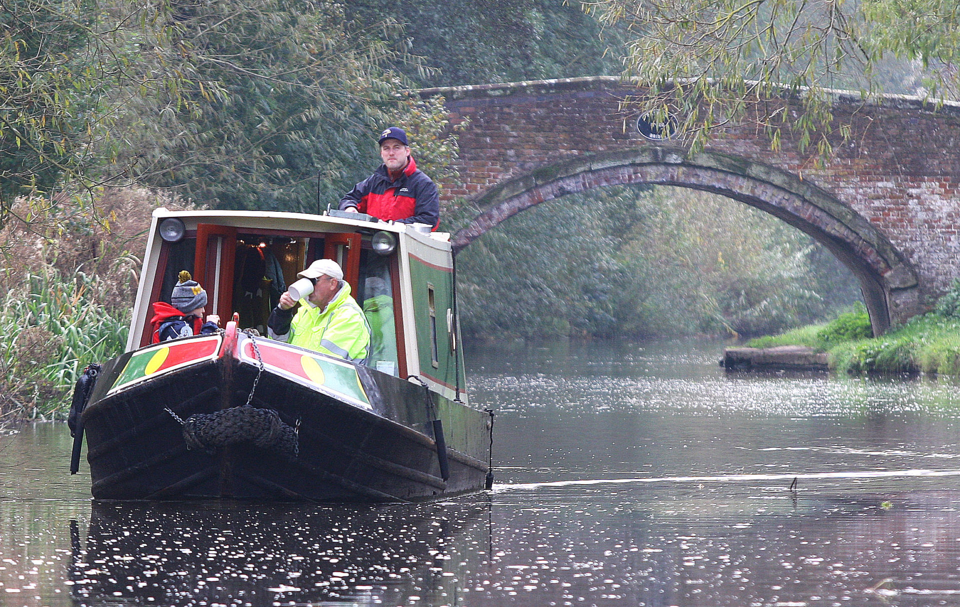 Hire boat making their way back to Great Haywood on the Staffs & Worcester canal.