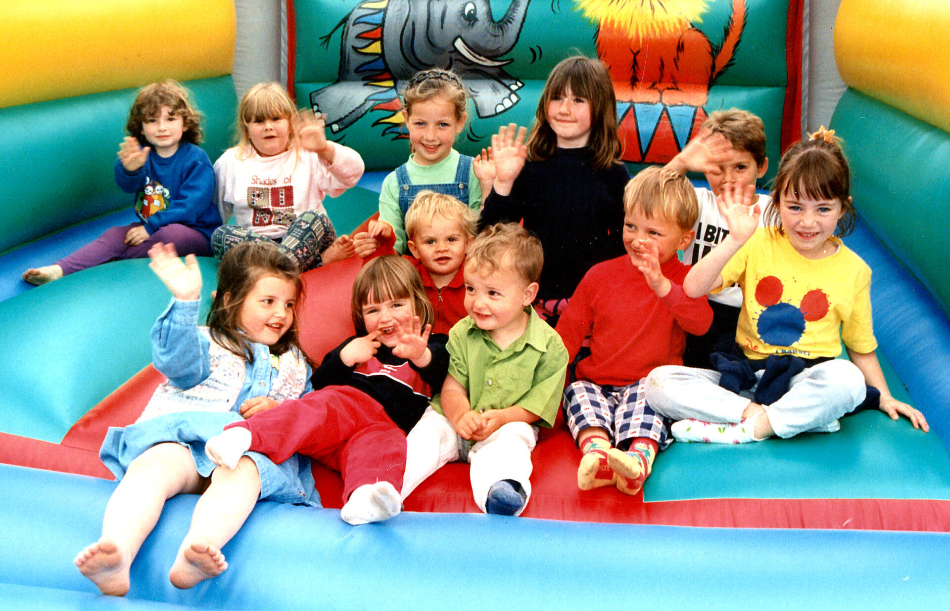 What a jolly bunch of little Chagford children. I recognise all the faces. This was 1998. 22 years ago.